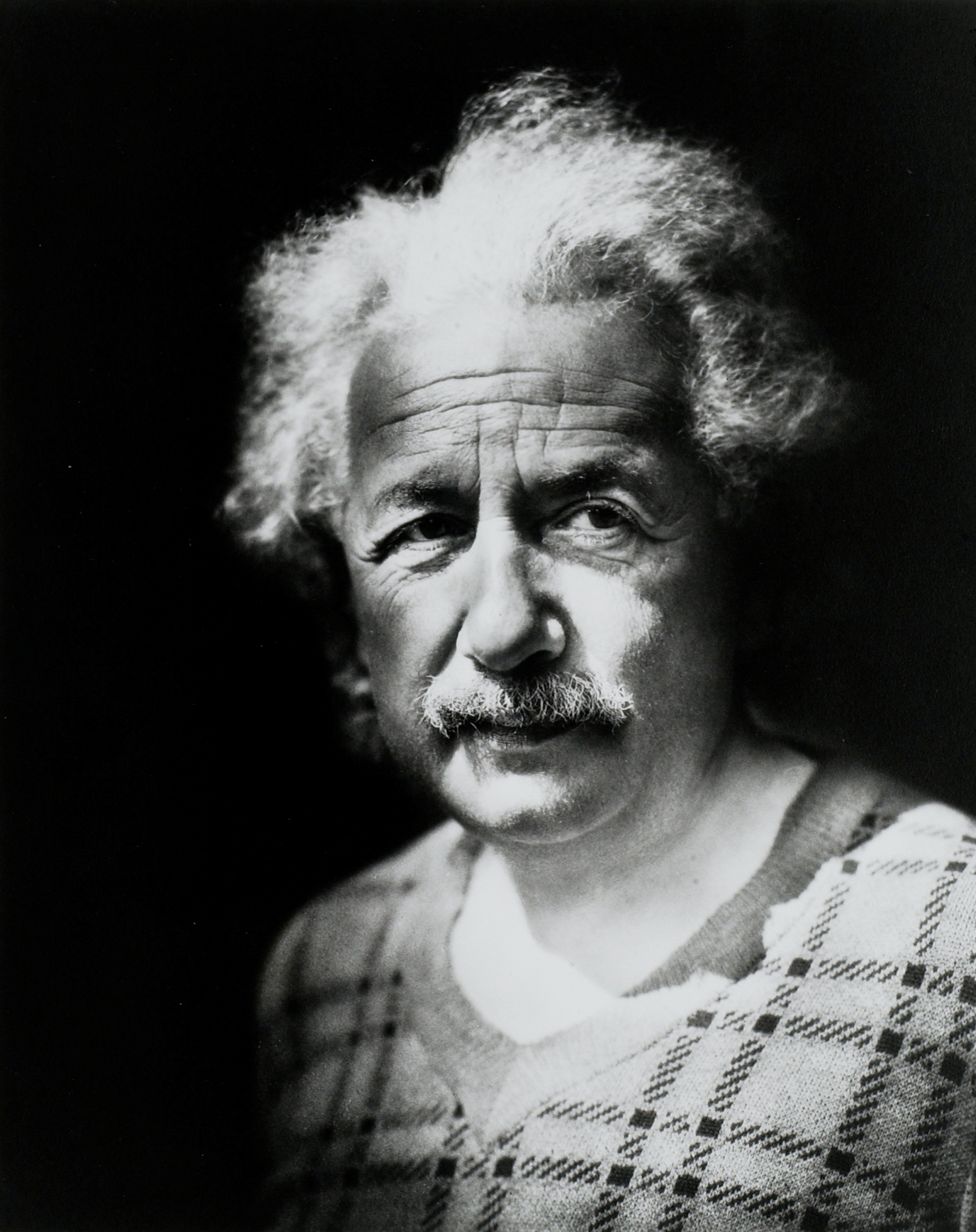 Approaching a Genius: The Einstein Papers Project